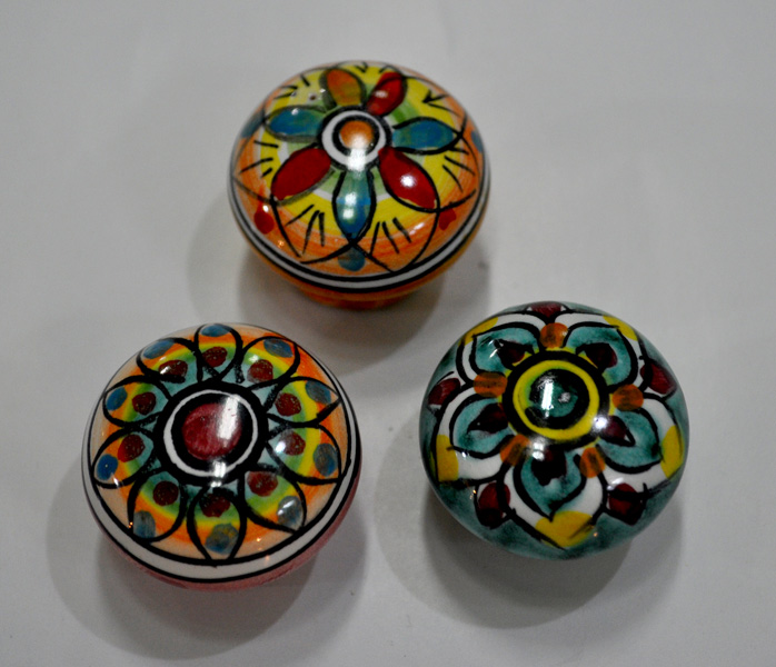 Pomelli cucina good maniglie pomelli ceramica limone cucina arredamento e casalinghi with - Pomelli ceramica per cucina ...