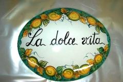 targa con scritta Decoro_Limoni